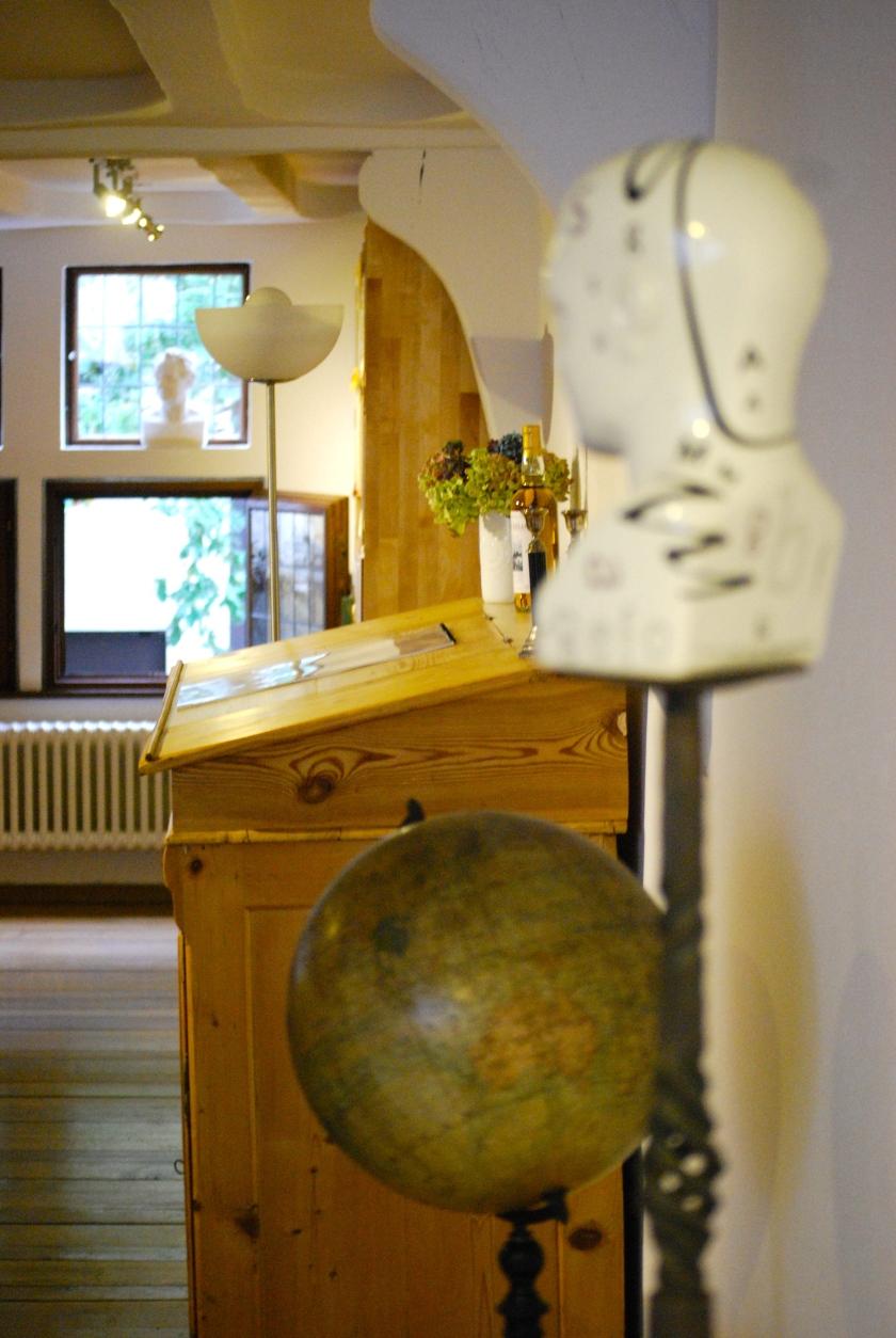 Für eine Welt ohne Weltbilder: Foto im Innenraum der Buchhandlung Bernstein in Siegburg