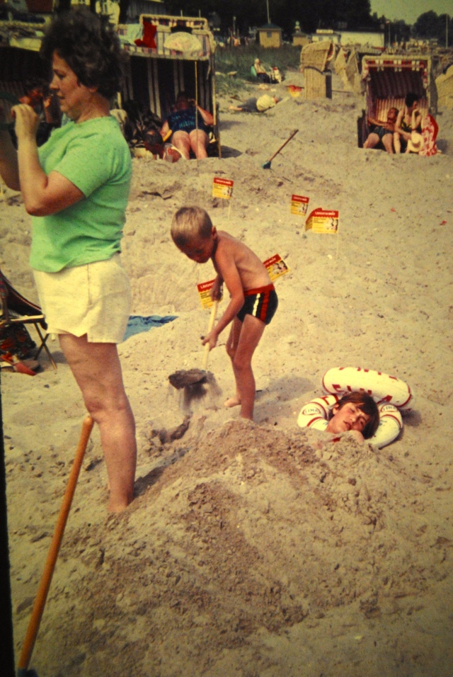 Ausgrabungen und Eingrabungen