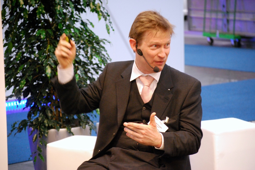 Professor Wolf Knüpffer