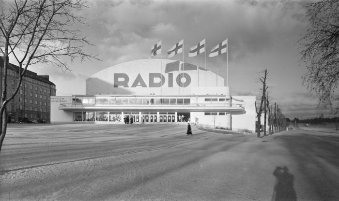 Schon das Radio läutete das Ende unserer Zivilisation ein. (Thx New Old Stock for the Picture)