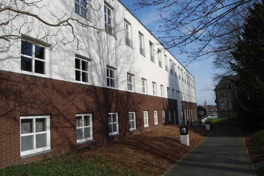 NEO16 ruft zum Uni-Club in Bonn - direkt am Rhein